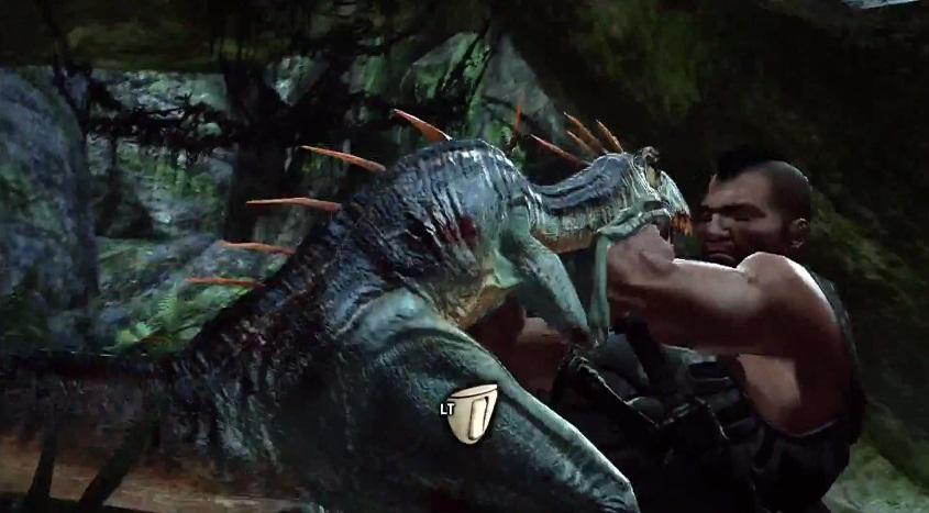 Esta es la mejor manera de acabar con los dinosaurios más peligrosos: el combate cuerpo a cuerpo mediante QTE. Fijaos en la espectacular abertura de boca del saurio y al brazo que desaparece como por arte de polígono.