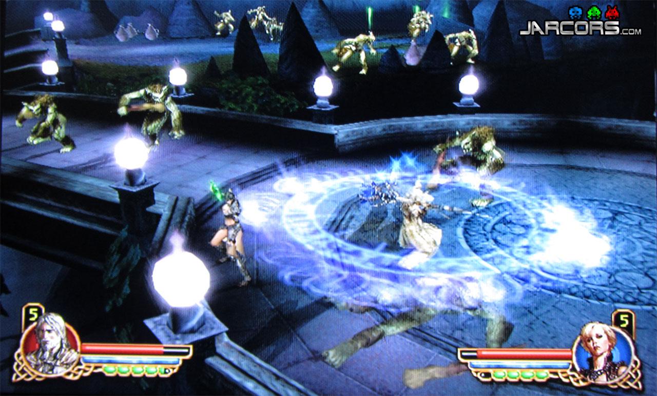 Una habilidad del mago permite evitar que los enemigos se nos acerquen a la vez que hacemos daño; muy útil combinado con otro personaje repartiendo leña.