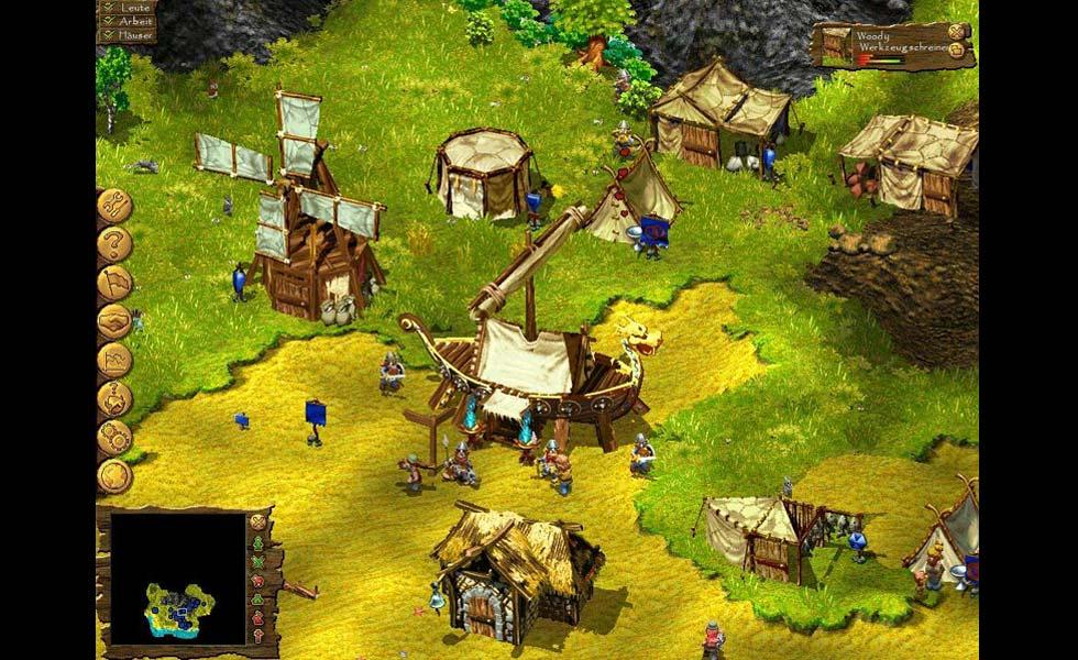 En el centro del poblado, el barco con el que hemos llegado.
